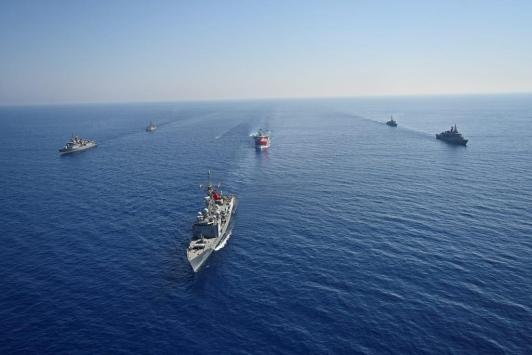 MSB: Araştırma ve sondaj gemilerine Türk Deniz Kuvvetleri refakat ediyor
