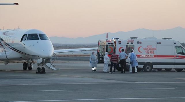 KKTCdeki COVID-19 hastalarının Türkiyeye nakli devam ediyor