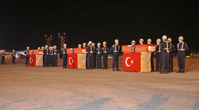 Vanda şehit askerler için tören düzenlendi