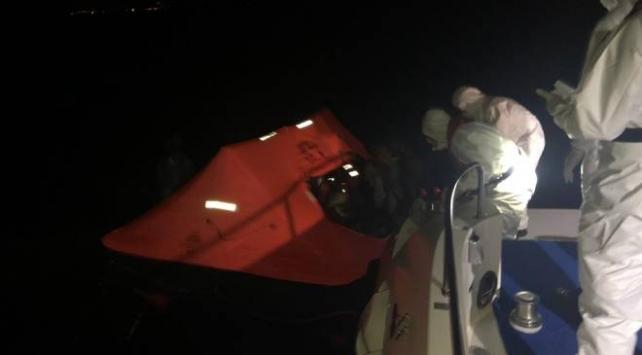 Türk kara sularına geri itilen 9 sığınmacı kurtarıldı