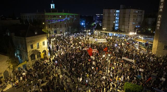 Batı Kudüste binlerce Netanyahu karşıtı sokağa döküldü