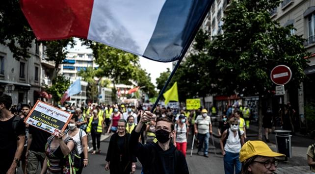 Sarı yeleklilerden 4 ay sonra gösteri: 256 gözaltı