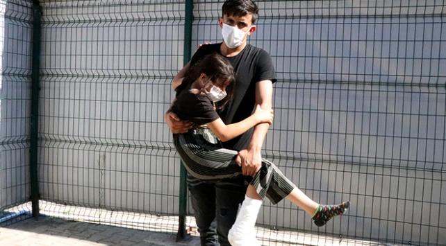 Yunan askerinin küçük kızı plastik mermiyle vurduğu iddia edildi
