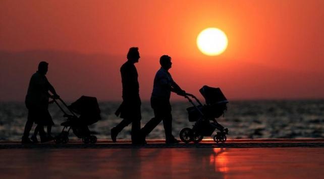 Deneyimli koruyucu aileler aday aileleri eğitecek