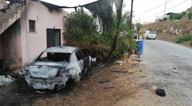 Antalyada otomobil kundaklayan 3 şüpheli tutuklandı