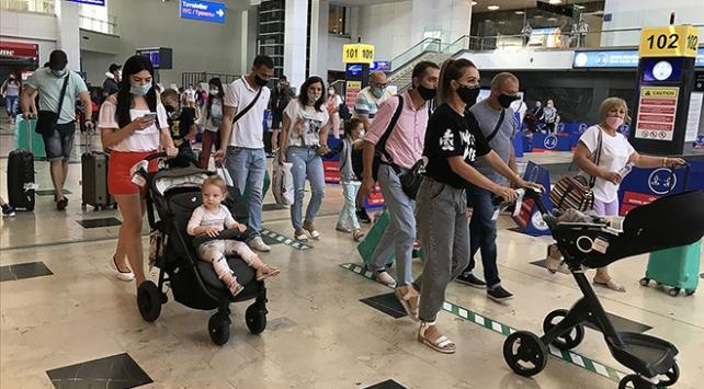 Antalyaya gelen yabancı turist sayısı 2 milyona yaklaştı