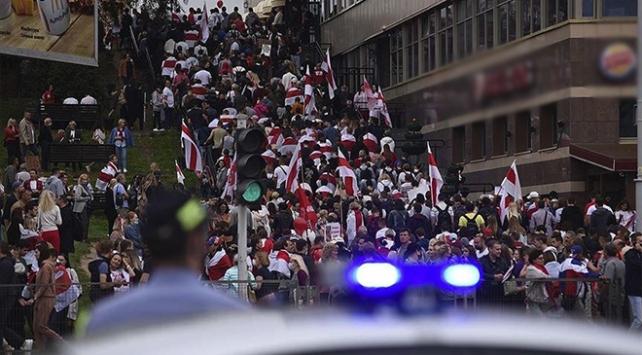 Belarustaki protestolarda 400den fazla kişi gözaltına alındı