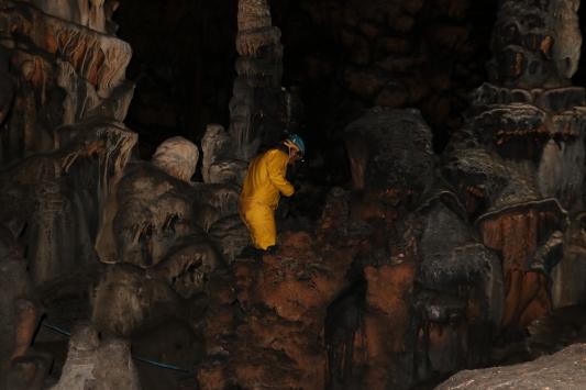 """""""Gizemli Mağara"""" sunduğu görsel şölen için profesyonel mağaracıları bekliyor"""