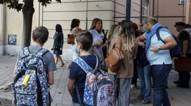 İtalyada 5,6 milyon öğrenci dersbaşı yaptı