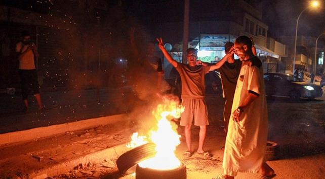 Haftere Bingazi darbesi: Halk sokaklarda