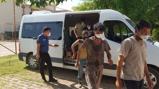 Erzincanda 16 düzensiz göçmen yakalandı