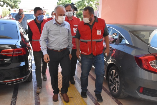 Türk Kızılay Genel Başkanı Kınık, yaralı Kızılay personelini ziyaret etti