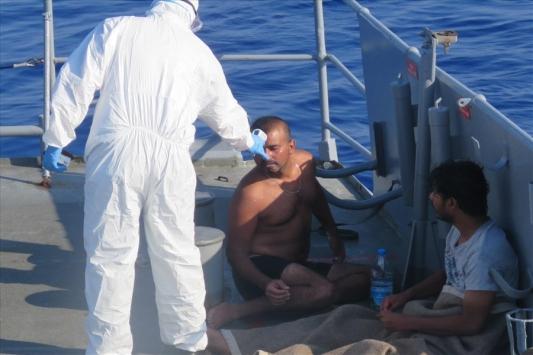 MSB: Göçmenler TCG Bozcaada personelinin dikkati sayesinde kurtarıldı