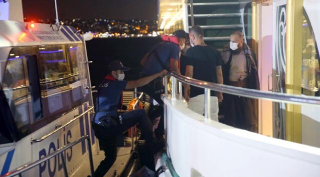 İstanbulda denizde Covid-19 denetimi
