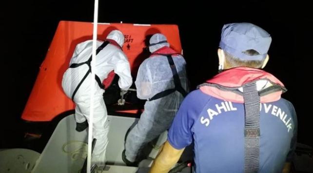 Muğlada Türk kara sularına itilen 9 kişi kurtarıldı