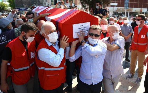 Suriyede şehit olan Türk Kızılay personeli Arif Kıdımanın cenazesi toprağa verildi
