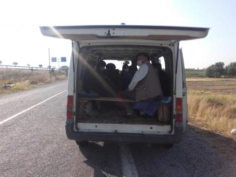 Afyonkarahisarda korsan taşımacılık yapan iki sürücüye 5 bin 120 lira ceza kesildi