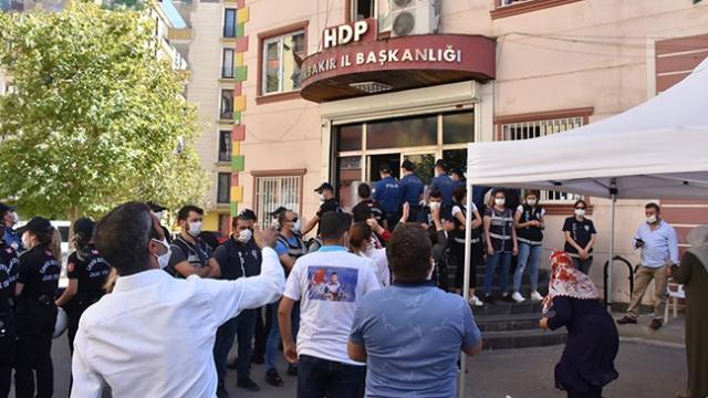 HDP'liler evlat nöbetindeki ailelere hakaret etti