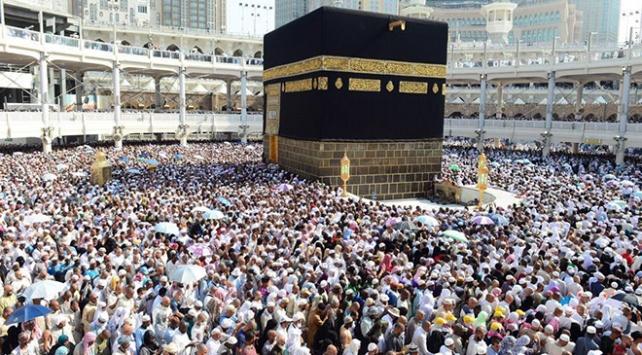 Suudi Arabistan umre ziyaretlerini başlatmaya hazırlanıyor