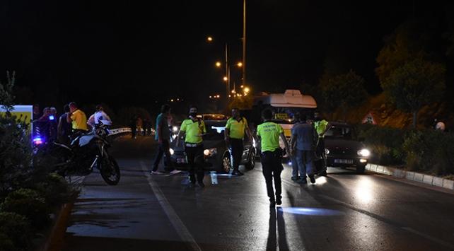 Muğlada zincirleme kaza: 1i polis 3 kişi yaralandı