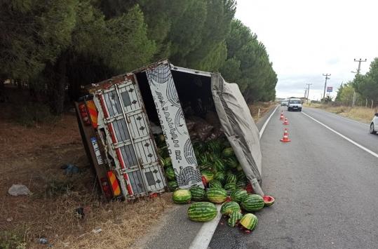 Keşanda devrilen kamyonun sürücüsü yaralandı