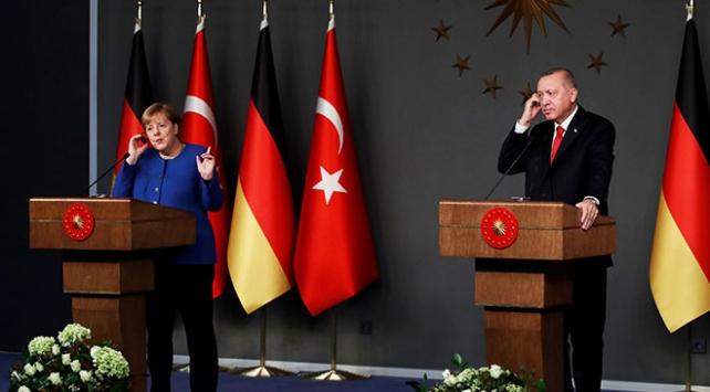 Cumhurbaşkanı Erdoğan, Merkel ile Doğu Akdenizi görüştü