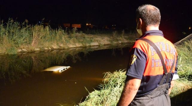 Aydında kamyonet sulama kanalına devrildi: 1i ağır 2 yaralı
