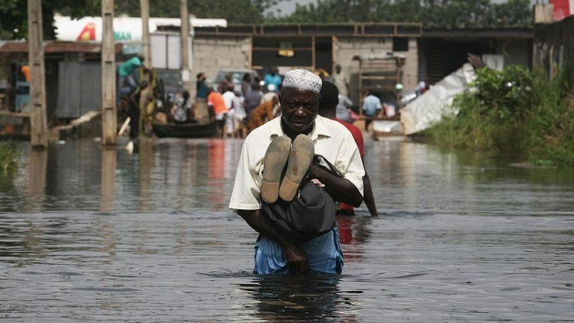 Nijeryada sel nedeniyle hayatını kaybedenlerin sayısı 77ye yükseldi