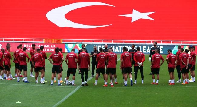 Türkiye FIFA dünya sıralamasında 32nciliğe geriledi