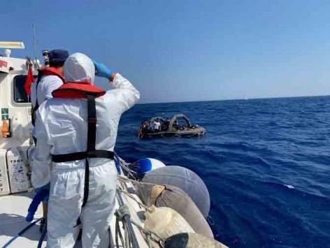 Muğlada Türk kara sularına itilen 54 sığınmacı kişi kurtarıldı