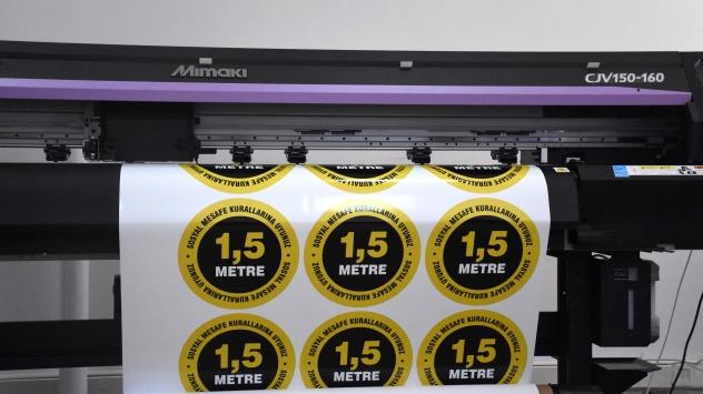 Bursadaki meslek lisesinde 21 il için Kovid-19 bilgilendirme materyali üretildi