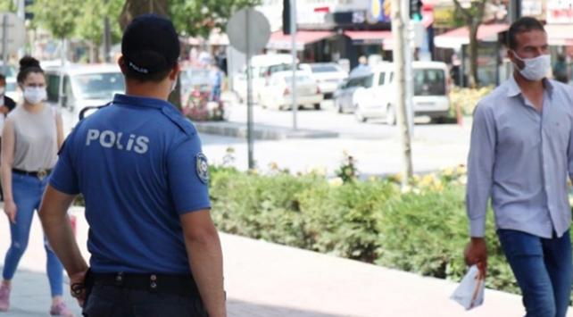 Ispartada maske takmayan 18 kişiye 16 bin 200 lira ceza