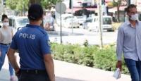 Isparta'da maske takmayan 18 kişiye 16 bin 200 lira ceza