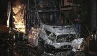 Ankara'da park halinde yanan kamyonet kullanılamaz hale geldi
