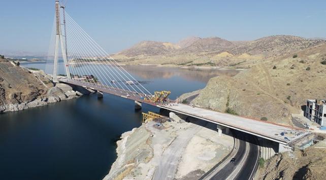 Yeni Kömürhan Köprüsünün iki yakası birleşti