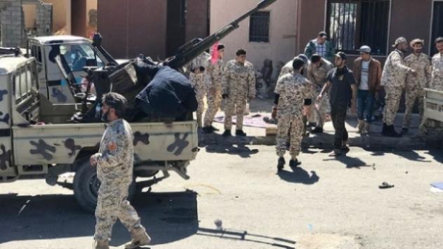 Libya Ordusu Batı Bölgesi Komutanı Cuveyli Hafterin açıkladığı petrol anlaşmasını reddetti