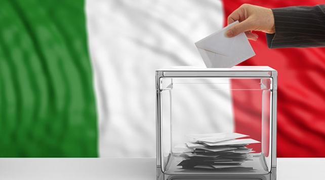 İtalyada halk tarihi oylama için sandığa gidiyor