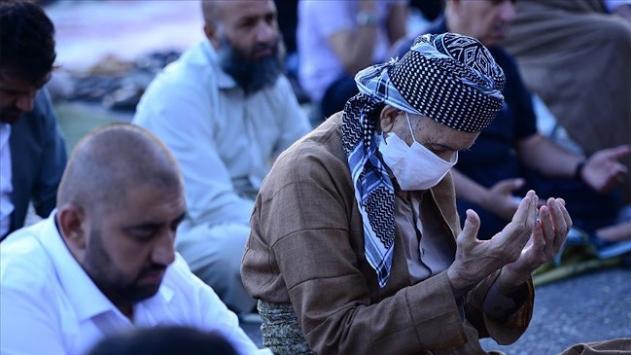 Irakta 5 ay sonra ibadet yerlerinin yeniden açılması kararı alındı