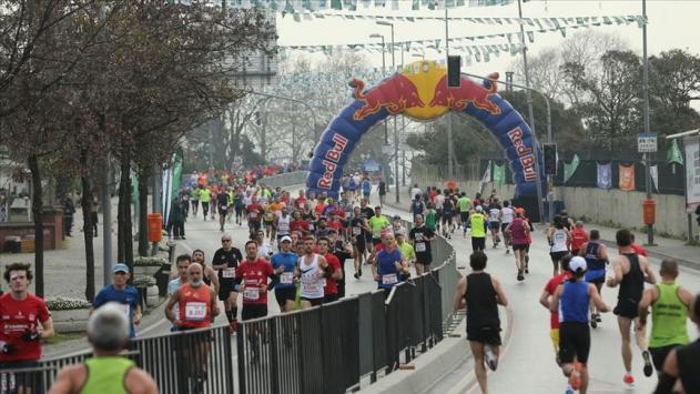 Vodafone İstanbul Yarı Maratonu nedeniyle bazı yollar trafiğe kapatılacak