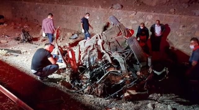 Niğdede trafik kazası: 3 ölü, 2 yaralı