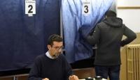 İtalya'da halk iki gün sürecek anayasa referandumu için sandık başında