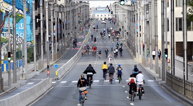 Brüksel'de yollar, yayaların ve bisikletlilerin oldu - Son Dakika Haberleri
