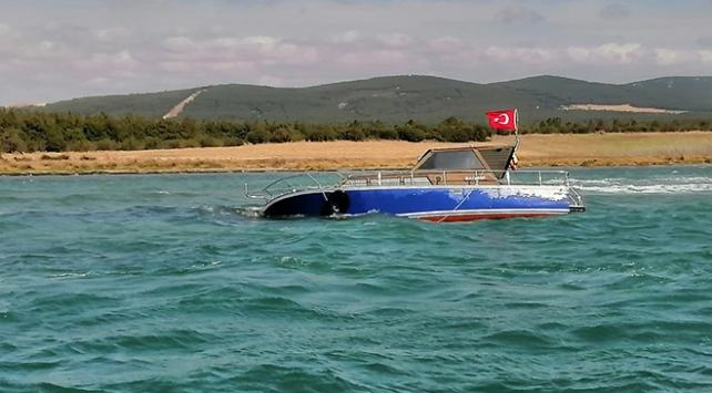 Tekirdağda karaya oturan teknedeki 3 kişinin yardımına Sahil Güvenlik yetişti