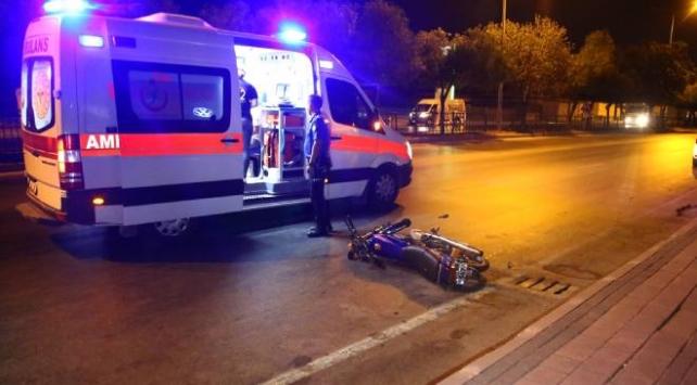 Adanada iki motosiklet çarpıştı: 1 ağır 3 yaralı