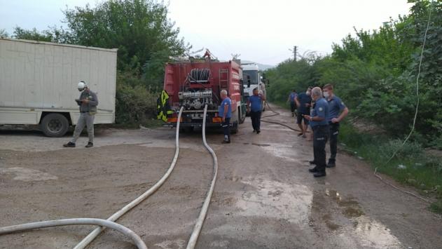 Adana gıda deposundaki yangın hasara neden oldu