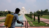 Hindistan'da Tac Mahal, altı ay aradan sonra ziyarete açıldı