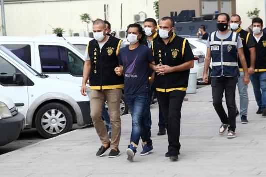 Adanada 3 cinayetten aranan cezaevi firarisi yakalandı