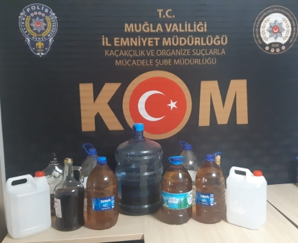 Muğlada sahte içki ve kaçakçılık operasyonunda 3 zanlı tutuklandı