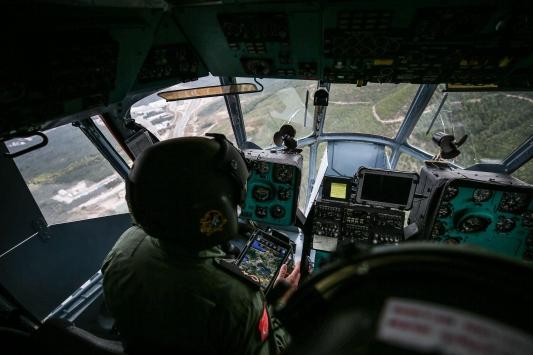 Bursada jandarmadan helikopterle trafik denetimi