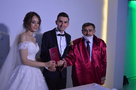 Samsunda nikah memuru bu kez oğlunun nikahını kıydı